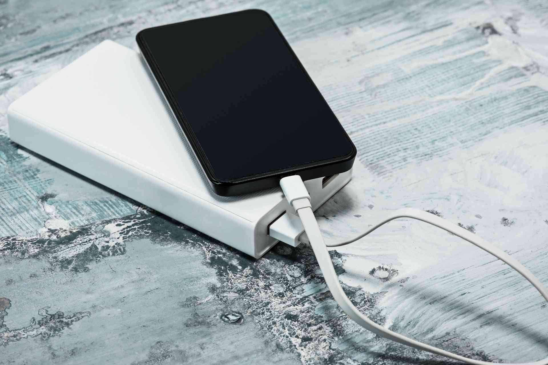 Best Portable Chargers and Power Banks for Phones and Tablets